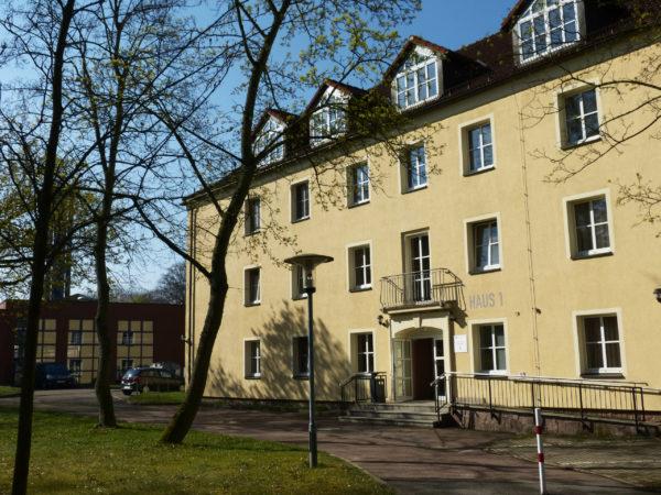 Wohnen ist in Mittweida günstig - die renovierten Wohnheime zudem direkt auf dem Campus gelegen.